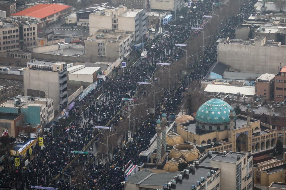 تصاویر هوایی راهپیمایی مردم تهران در ۲۲ بهمن ۱۳۹۷