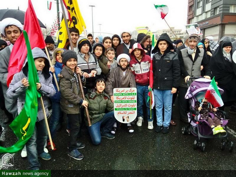 تصاویر/ حضور مبلغان و دانش آموزان مدارس امین تهران در راهپیمایی ۲۲ بهمن