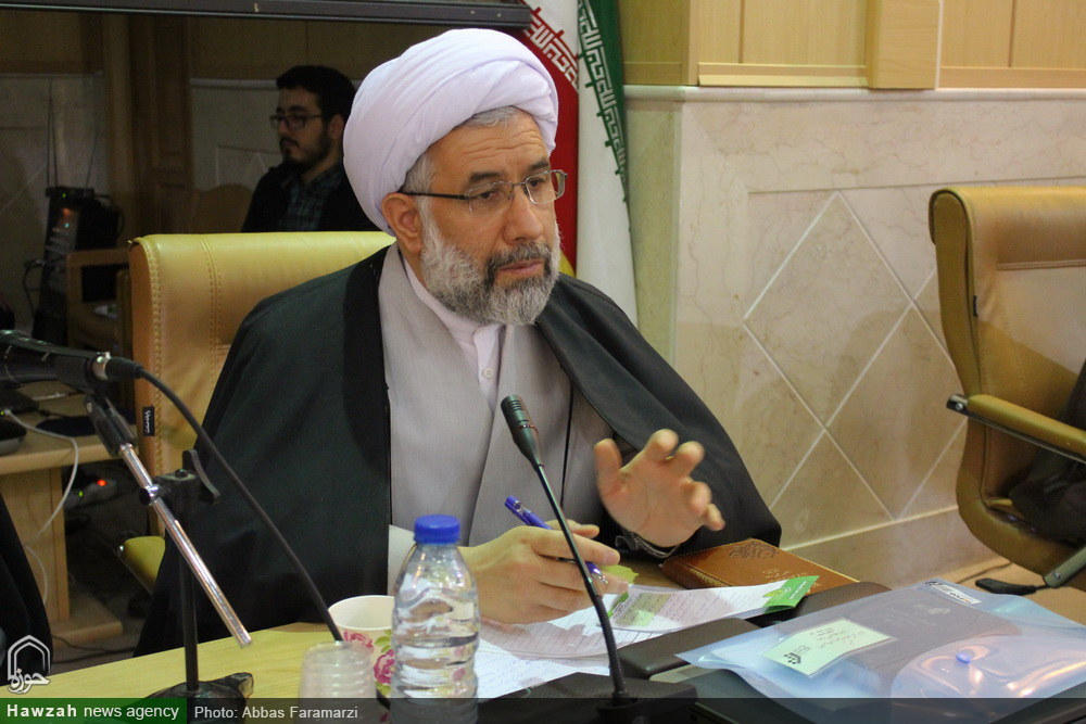 علی عباسی رئیس جامعه المصطفی