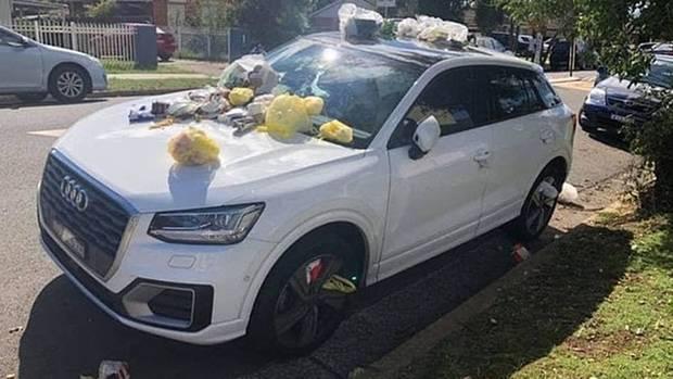 نژادپرستان بر روی اتومبیل یک معلم مسلمان در سیدنی زباله ریختند