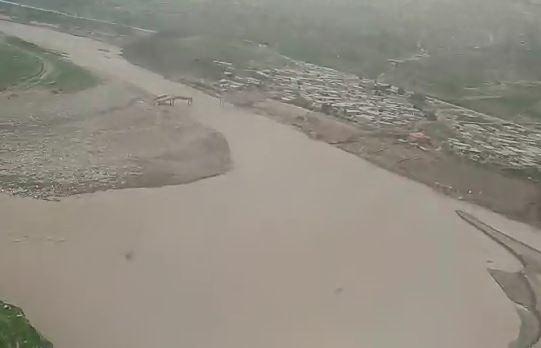 فیلم/ کمک رسانی هوایی امدادگران استان قم به مناطق سیل زده لرستان