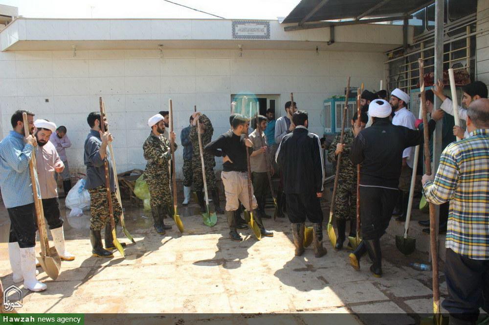 حضور و امداد رسانی طلاب مدرسه علمیه مروی تهران در شهر سیل زده پلدختر