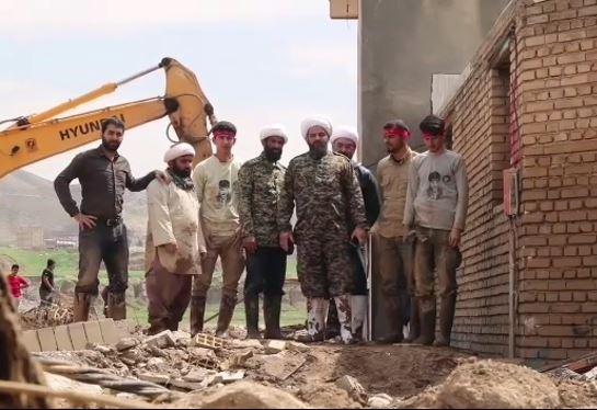 حجت الاسلام بی آزار تهرانی در مناطق سیل زده