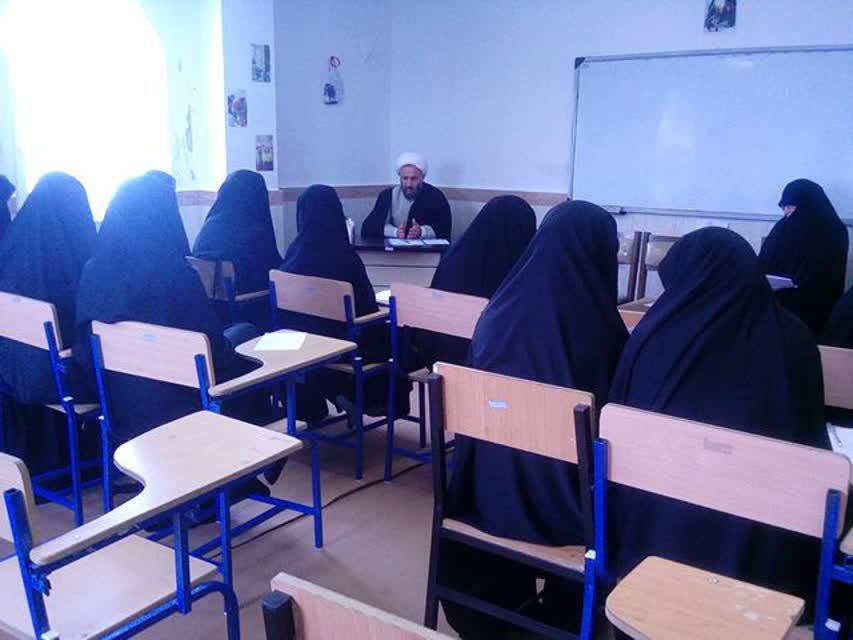 بازدید حجت الاسلام حبیبی از حوزه خواهران انزلی