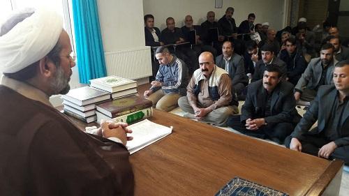 حجت الاسلام ایرانی در جمع والدین داوطلبان ورودی به حوزه