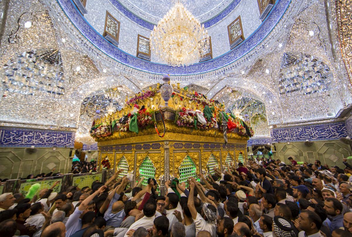 صد ها هزار زائر به زیارت حرم حضرت اباالفضل العباس(ع) مشرف شدند