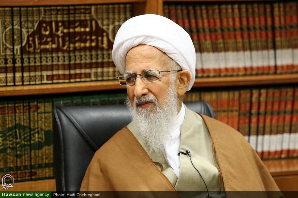 اعضای شورای سیاستگذاری حوزه های علمیه خواهران با آیت الله العظمی جوادی آملی