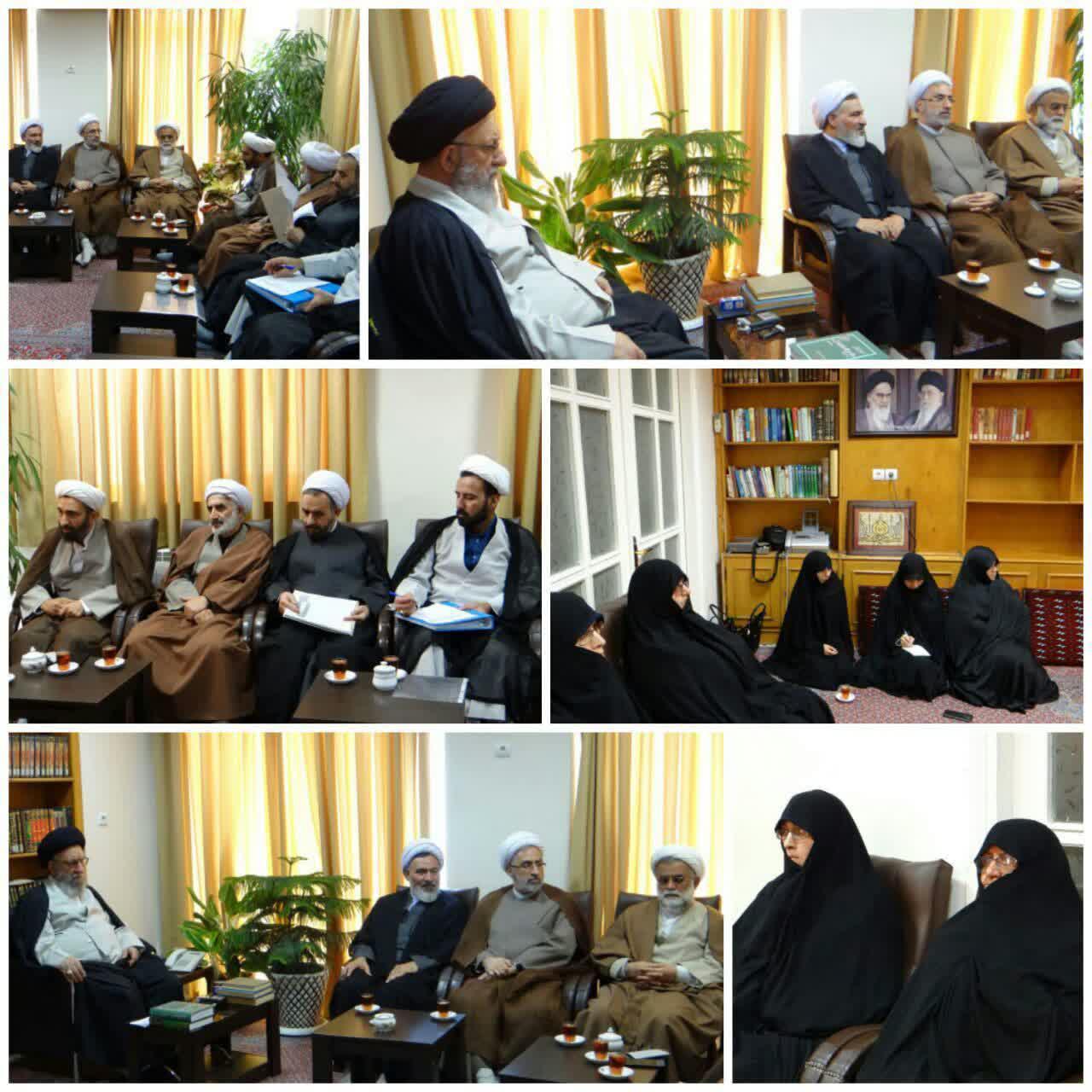 جلسه شورای نهادهای حوزوی با حضور مدیر حوزه های علمیه خواهران کشور در گرگان برگزار شد
