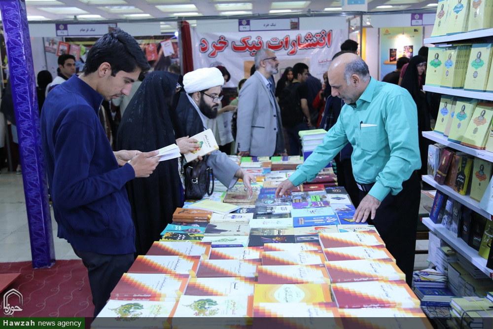 غرفه موسسه بوستان کتاب در سی و دومین نمایشگاه کتاب تهران