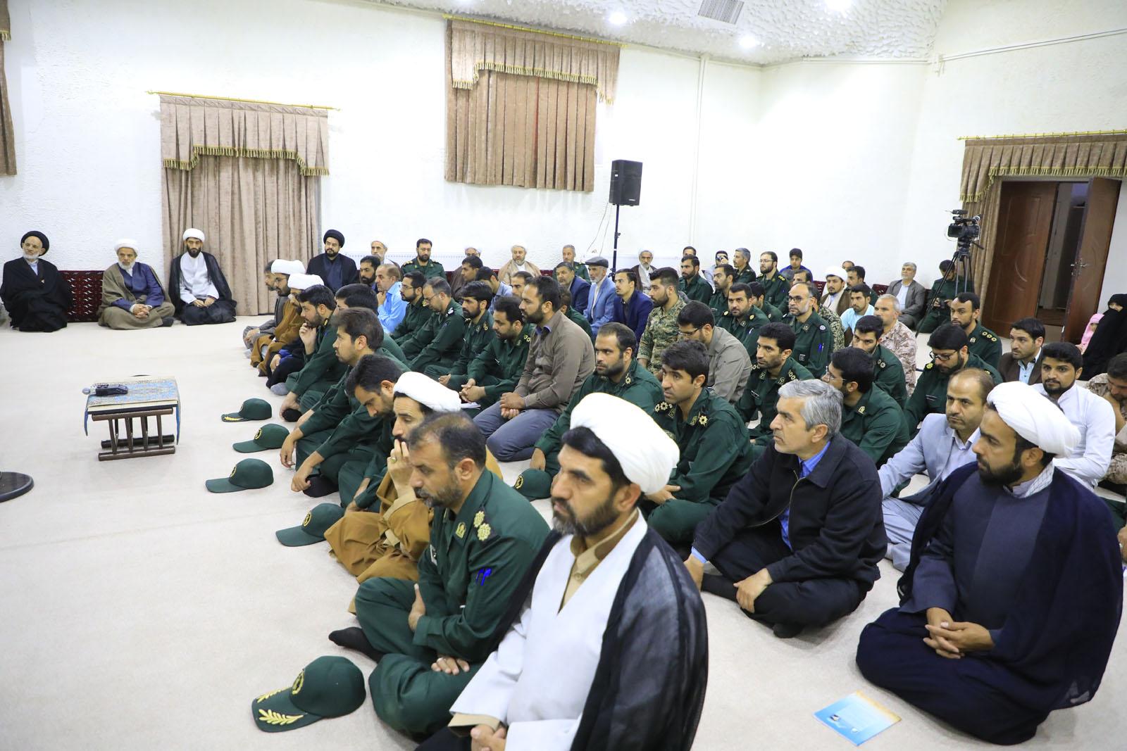 دیدار جمعی از کارکنان و بسیجیان ناحیه مقاومت بسیج سپاه بیرجند با حجت الاسلام و المسلمین عبادی