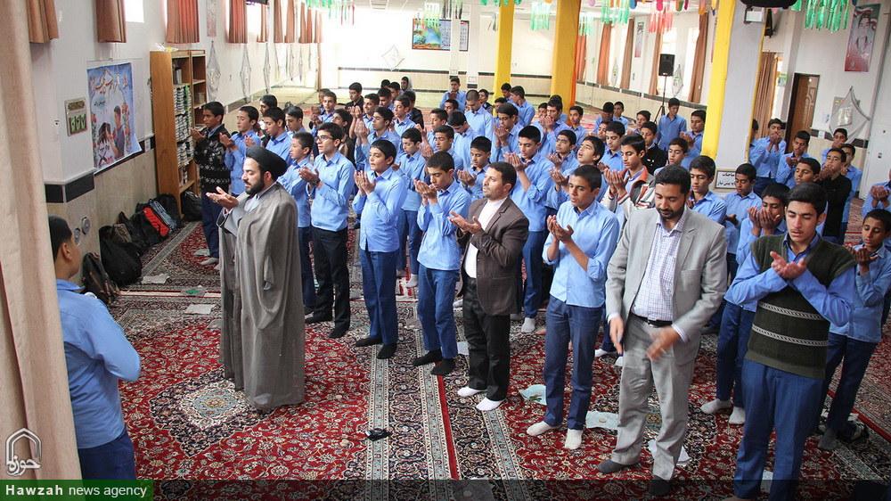 جشن تکلیف دانش آموزان دبیرستان برکت در مدرسه علمیه رضویه بیرجند