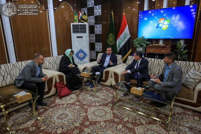 اعضای سفارت فرانسه در حرم امام علی