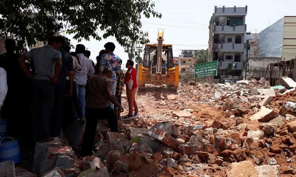 مساجد تخریب شده توسط شهرداری حیدرآباد، بازسازی خواهند شد