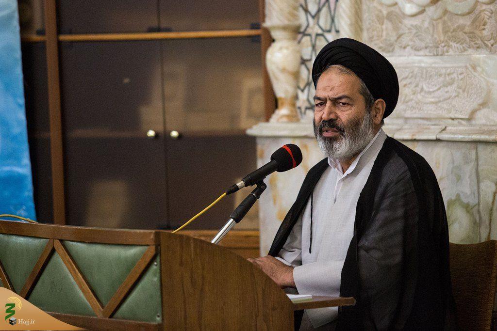 حجت الاسلام والمسلمین سید عبدالفتاح نواب نماینده ولی فقیه و سرپرست حجاج ایرانی