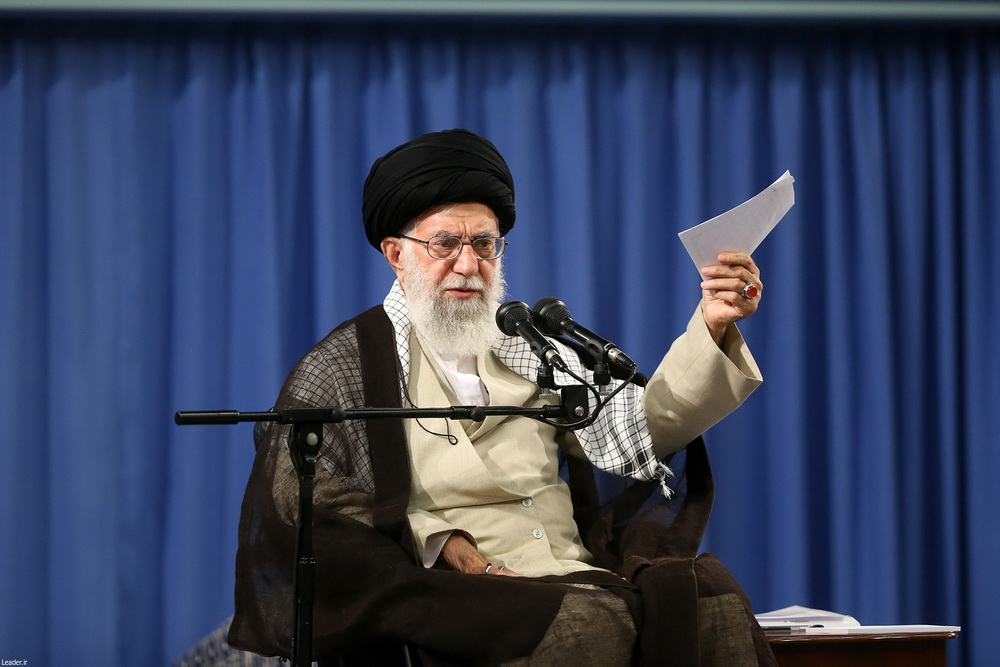 رهبر معظم انقلاب اسلامی در دیدار جمعی از طلاب سراسر کشور