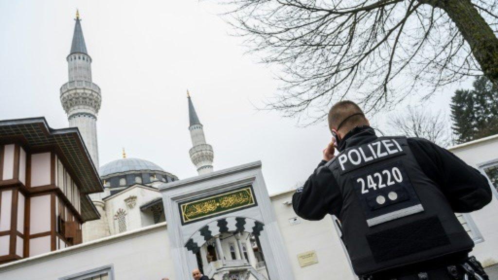 ایالات مختلف آلمان از طرح «مالیات بر مساجد» استقبال می کنند