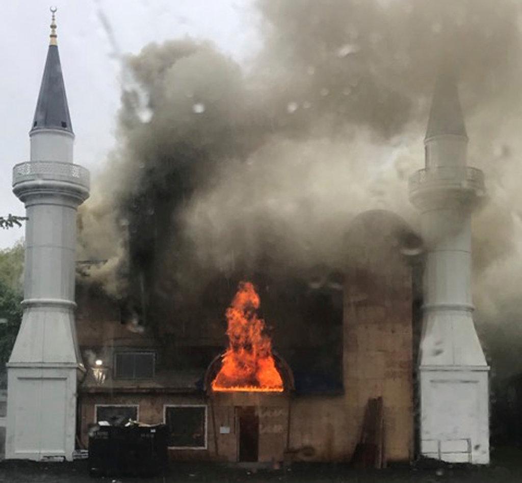 آتش سوزی در مسجد نیوهیون تعمدی بوده است