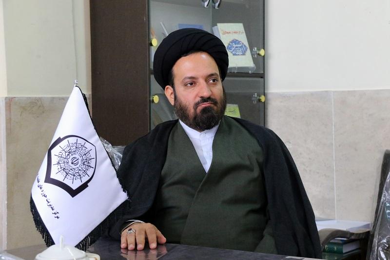 حجت الاسلام سیدحسین مومنی-معاون تهذیب و تبلیغ حوزه علمیه اصفهان