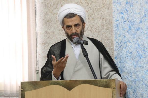 مسئول دبیرخانه شورای عالی حوزه عزادار شد