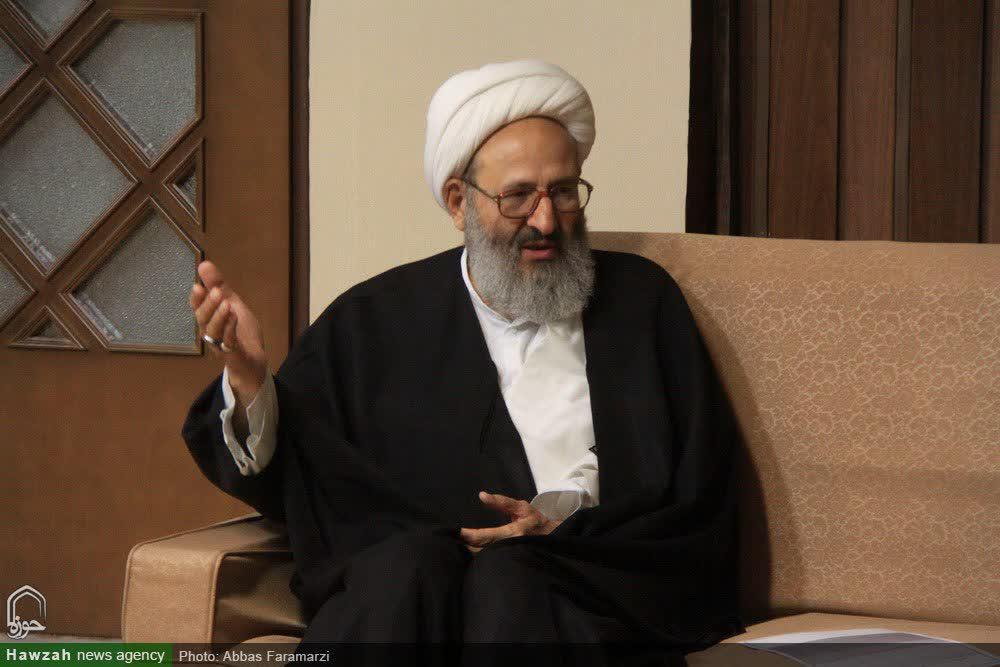 توجیه بعضی مسئولین برای مذاکره مجدد با دشمنان خلاف قرآن و دین است