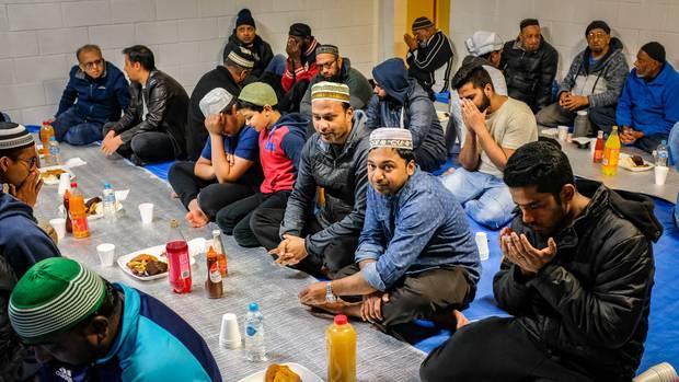مسلمانان هستینگز در نیوزیلند، درهای مسجدشان را به روی غیرمسلمانان گشودند