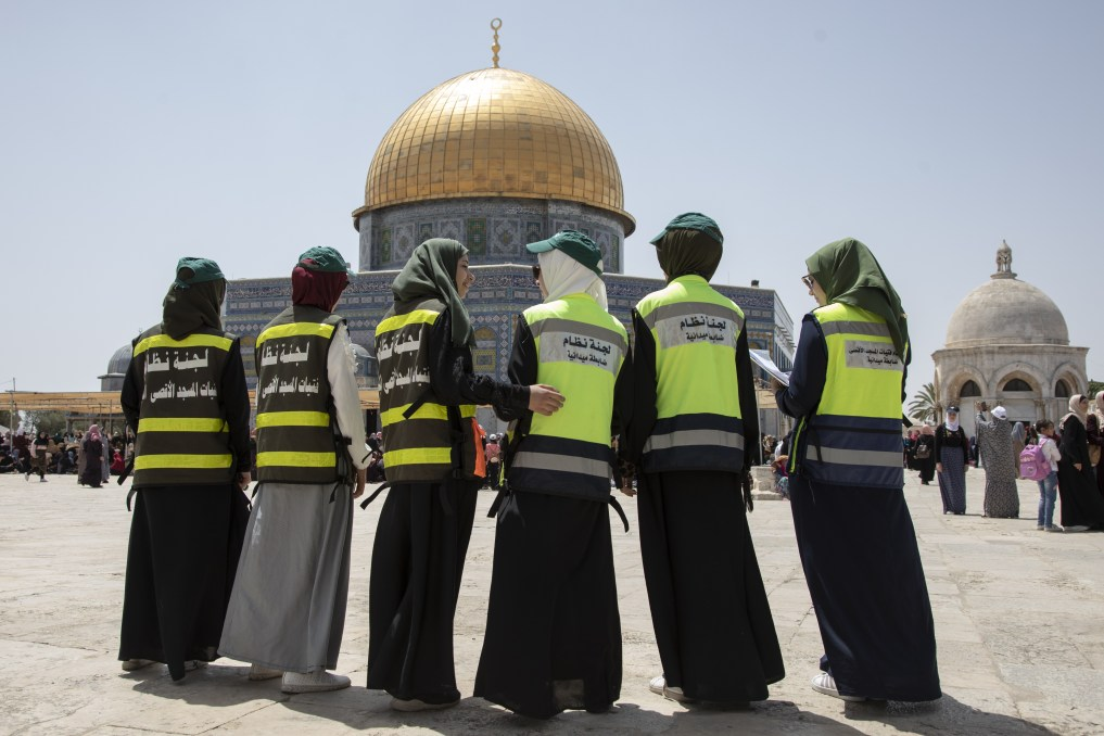زنان محجبه فلسطینی، داوطلب نگهبانی از مسجدالاقصی در ایام رمضان + تصاویر