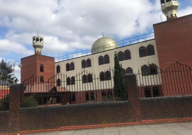 نماز صبح مسلمانان جان صدها نفر را در آتش سوزی لندن نجات داد