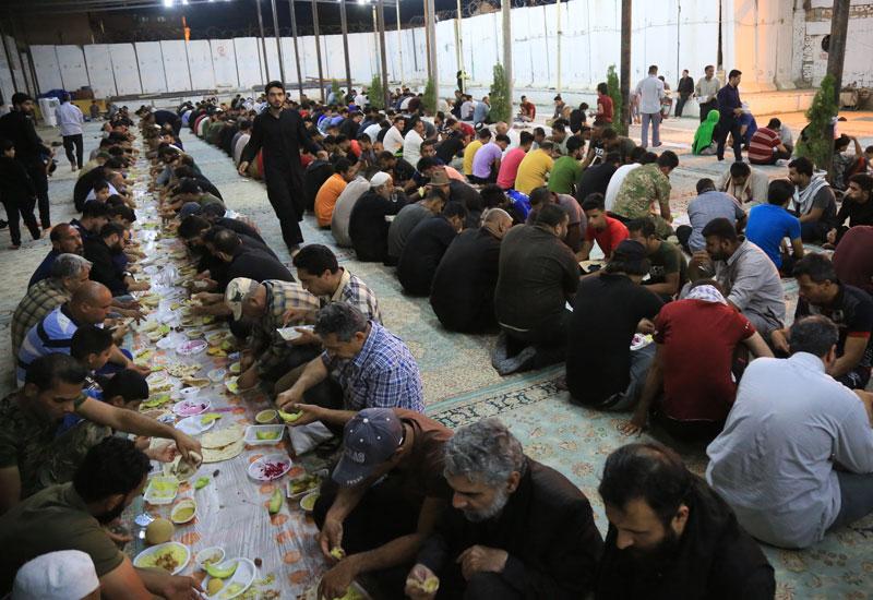 بیش از ۲۰۰ موکب به زائران حرم امامین عسکریین (ع) خدمت رسانی کردند