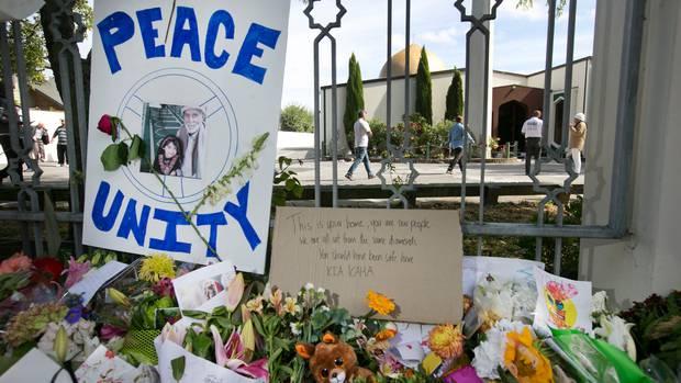انتقاد از گوگل به خاطر پیشنهاد تماشای ویدئوی حمله به مساجد
