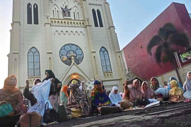 کلیسایی در جاوا، مراسم بزرگداشت عید سعید فطر را برای مسلمانان برگزار کرد