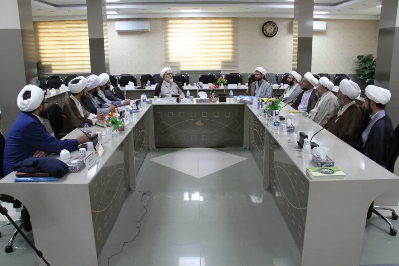 حجت الاسلام و المسلمین در شهر کرد