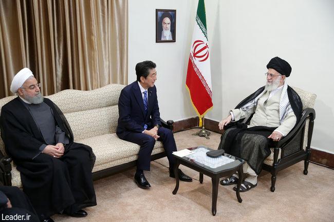 دیدار نخست وزیر ژاپن و هیئت همراه با رهبر انقلاب