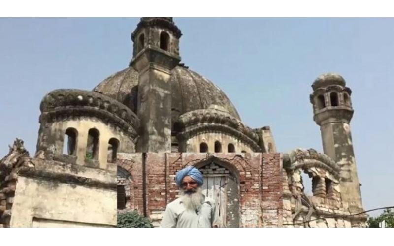 سیک ها مانع از تخریب مسجد ۱۰۰ ساله در پنجاب شده اند