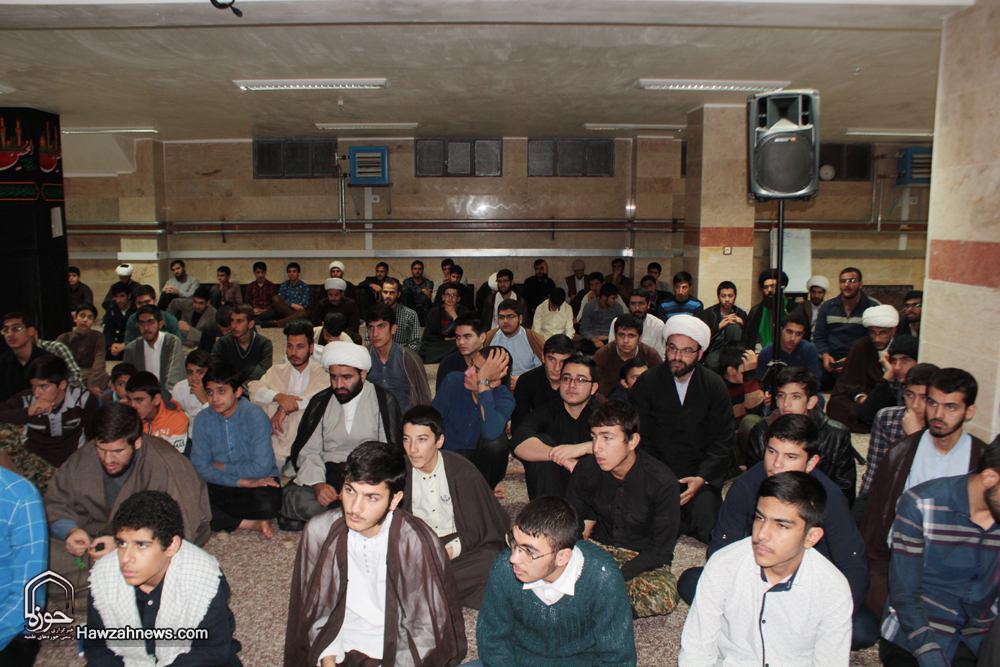 عکس آرشیوی/ طلاب مدرسه امام صادق(ع) قروه