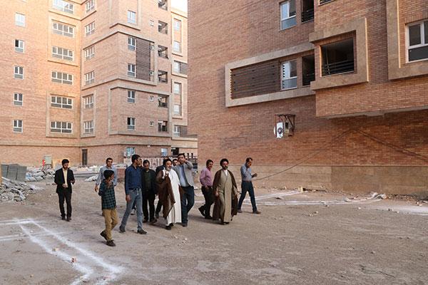 بازدید رئیس هیئت مدیره مرکز خدمات از پروژه مسکونی ۱۵ خرداد قم