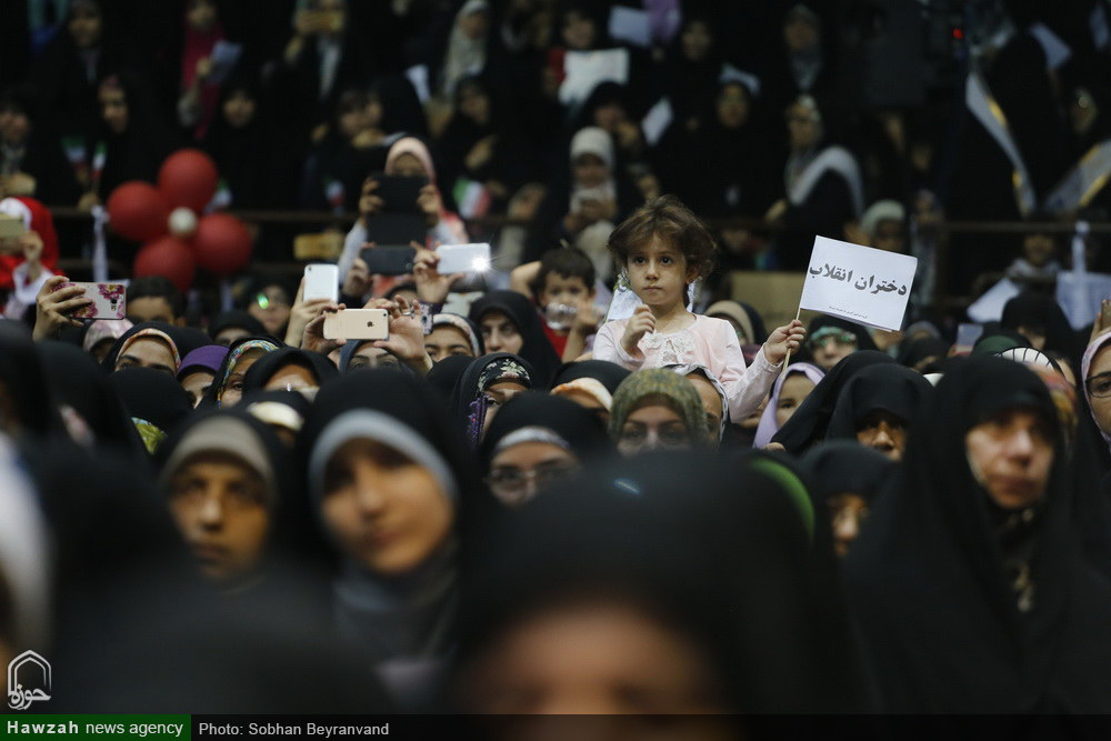 تجمع بزرگ دختران و بانوان تهران در حمایت از عفاف و حجاب