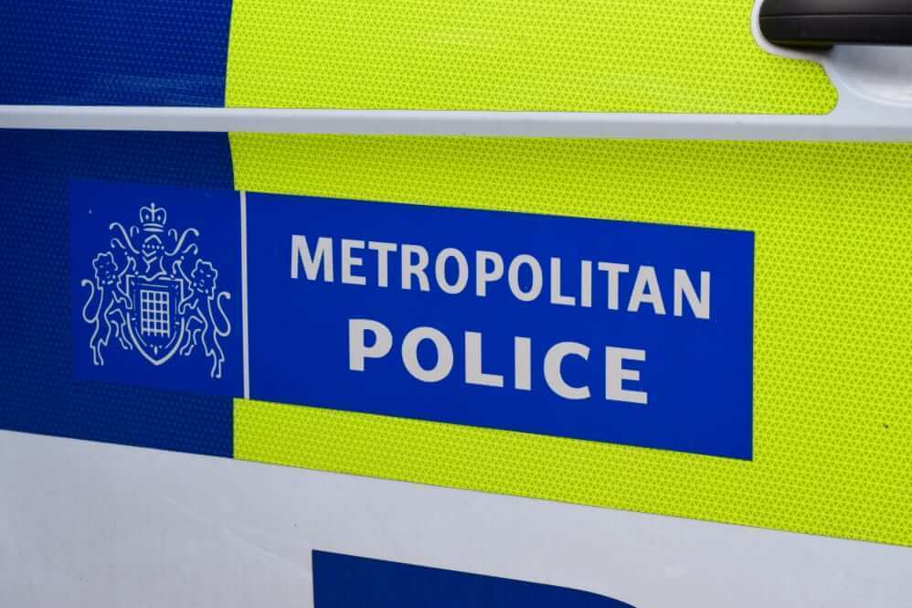 تهدید به مرگ نوجوان محجبه در شرق لندن