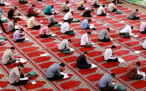 رقابت 700 نفر در آزمون ورودی حوزه  لرستان
