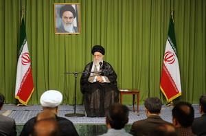 آیتالله العظمی خامنهای: مدیریت جهادی با روحیه «ما می توانیم» تقویت شود
