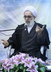 تحقق اسلام ناب به غیر از محوریت قرآن و اهل بیت(ع) ممکن نیست