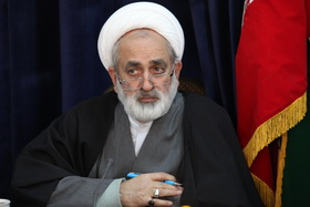 ارتباط با حوزه و روحانیت از شاخصه های مهم مجلس انقلابی است/ منتخبان به فکر مشکلات مردم باشند