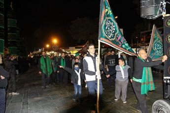 تصاویر/ حال و هوای قم در شب تاسوعای حسینی