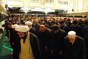 نماز ظهر عاشورا در لندن اقامه شد + عکس
