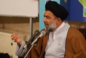 عزای حسینی با محوریت منبر و خطابه برگزار شود