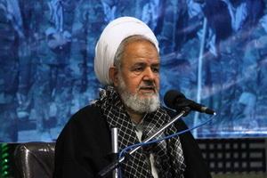 ترامپ به دنبال گرفتن عوامل اقتدار انقلاب اسلامی است