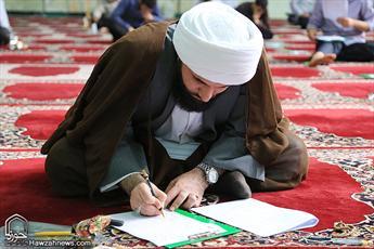 تصاویر/ رقابت طلاب خوزستانی در آزمون رشته های تخصصی