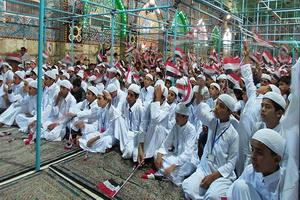 جشن تکلیف هزار نوجوان در حرم مطهر امام حسین(ع)+ عکس