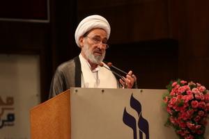 امروز انقلاب اسلامی و جریان تشیع در مقابل اسلام آمریکایی ایستاده است