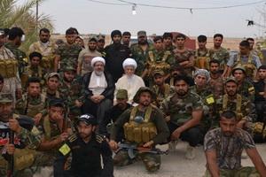 حضور آیت الله نابلسی در کنار نیروهای بسیج عراق+ عکس