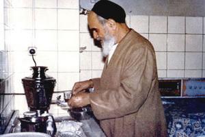 احترام عجیب و خواندنی امام خمینی (ره) به همسر